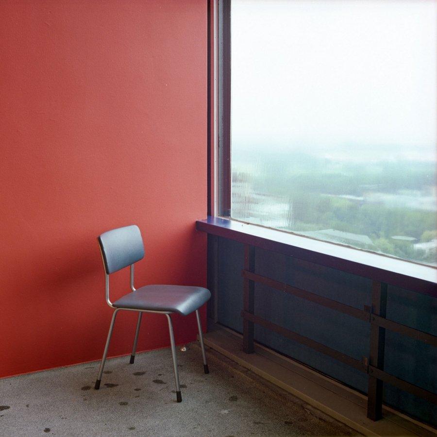 Chair | 2002 | 120 x 120 cm, dibond | €250,-