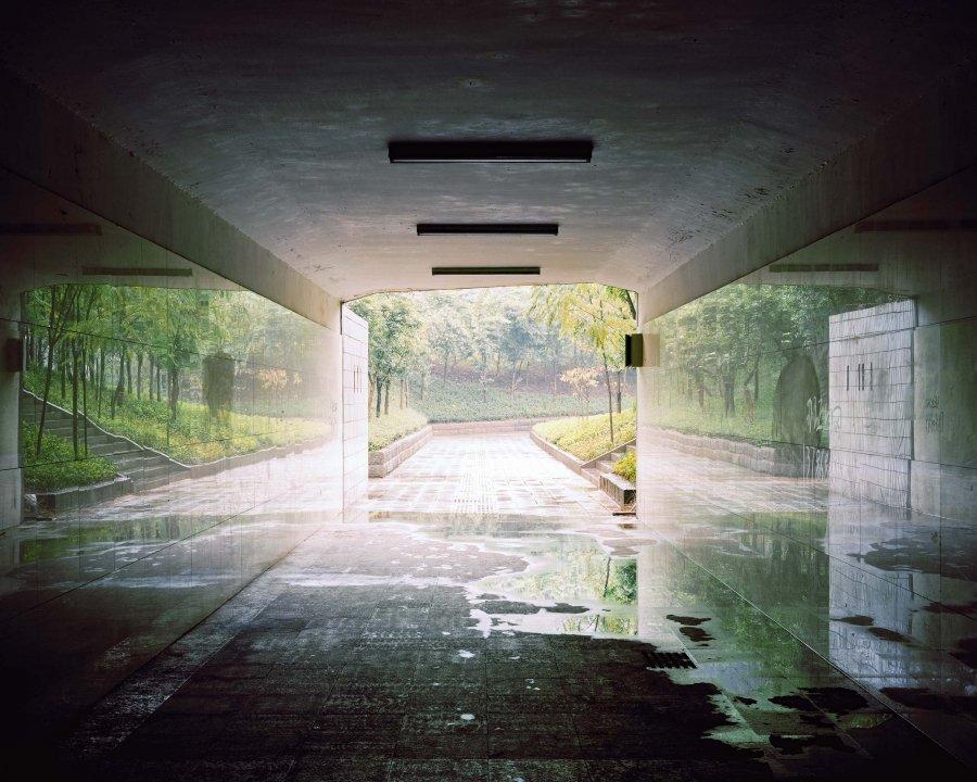 Tunnel 2 | 2007 | 80 x 64 cm, dibond | €450,-